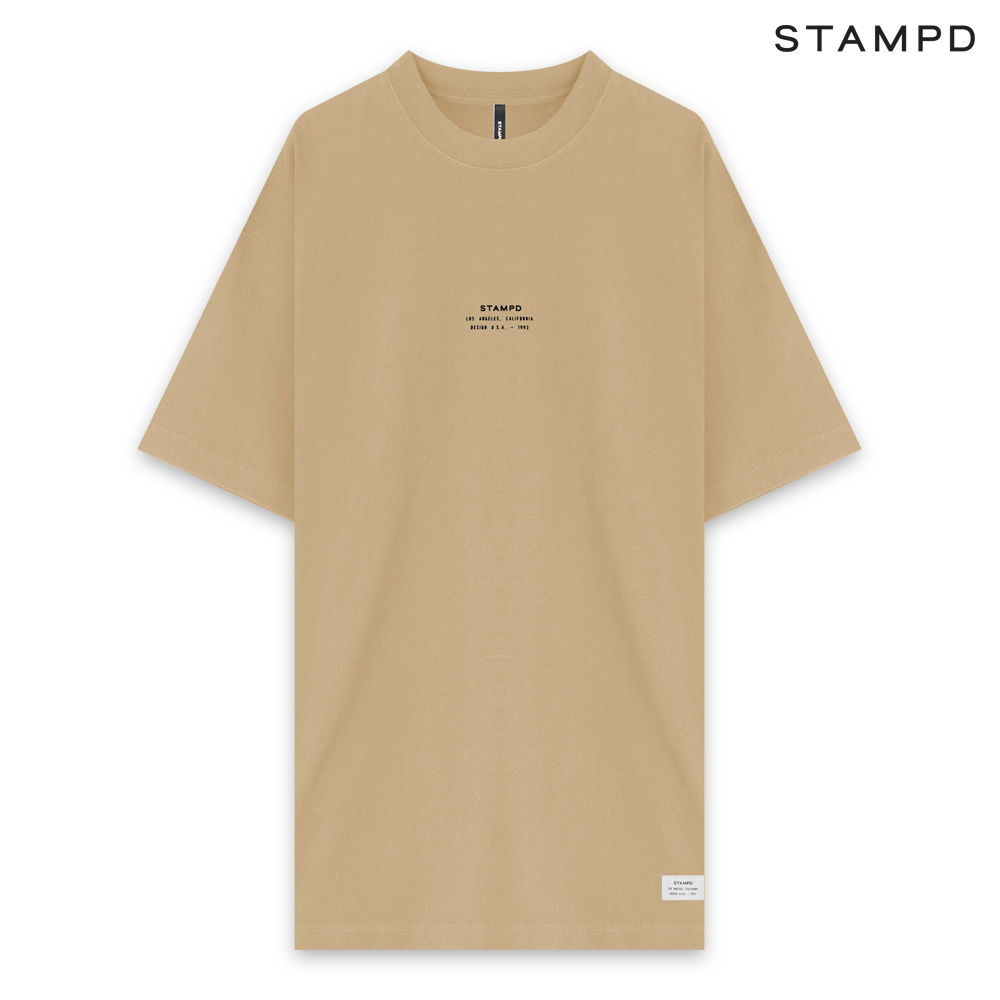 STAMPD   SS20 COLLECTION. STAMPD スタンプド STACKED LOGO TEE - BEIGE ショートスリーブ Tシャツ ベージュ