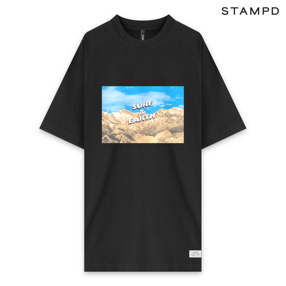 STAMPD | SS20 COLLECTION. STAMPD スタンプド SURF THE EARTH TEE - BLACK ショートスリーブ Tシャツ ブラック
