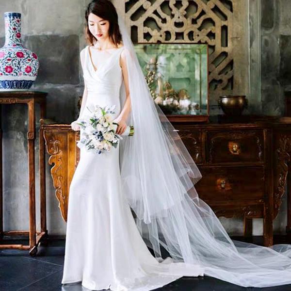 ウェディングドレス スリット ロング フィッシュテール 大人 海外 リゾート 結婚式 花嫁 2次会 エンパイアドレス 可愛い 20代 30代 40代 マタニティ 妊婦ドレス