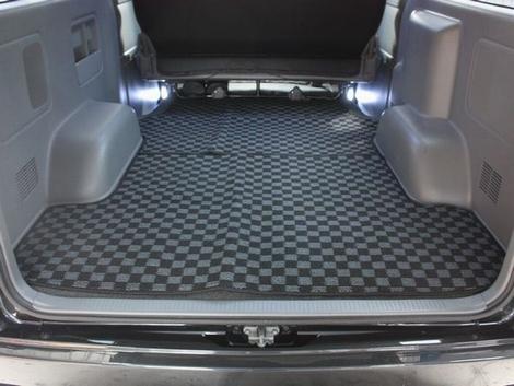 フロアマット 200系 ハイエース 1型 2型 3型 4型 標準 ナロー S-GL カーゴ トランク 荷室 リアマット 全面 市松模様 チェッカー チェック柄 内装 インテリア パーツ
