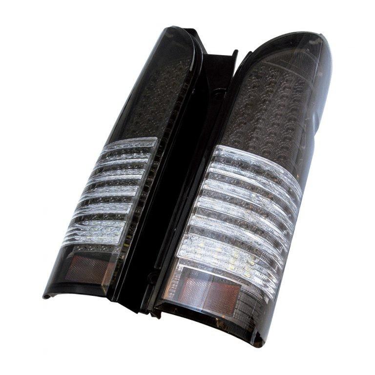 200系 ハイエース 4型 テールレンズ 流星ウインカー FULL LED 136 ストリームモデル スモーク/クリア 外装 エアロ ブレーキ スモール バック ウインカー