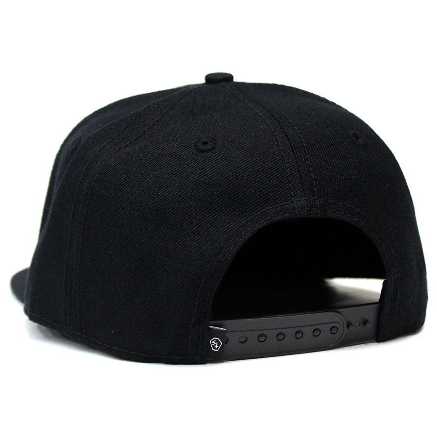 38d98cb1e3f71 The size street cap which SKETCHY TANK (スケッチータンク) DEMONS SNAP BACK snapback  cap cap has a big