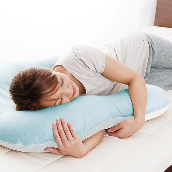 クールな抱かれ枕 レギュラーサイズ(約 75×66×15cm)