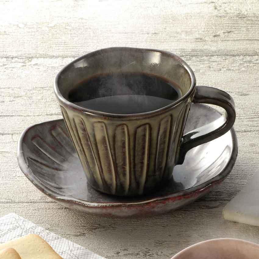 和の趣たっぷりの落ち着いたコーヒー茶碗です 美濃焼 木村作 彫十草さざ波 珈琲碗皿 130cc ブランド品 ティーカップ カップ ソーサー コーヒーカップ 和食器 CAFE 陶器 オシャレ食器 モダン カフェ 母の日 父の日 特売 夫婦 レトロ