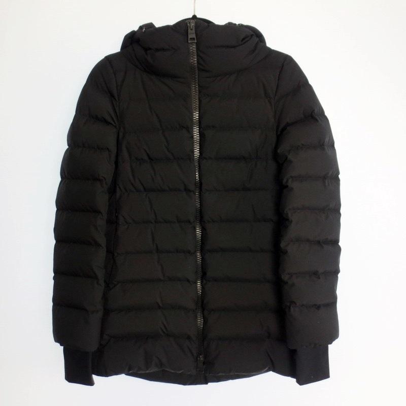 【中古】HERNO ヘルノ Laminar フード付きダウンコート サイズ:42 カラー:ブラック【f108】