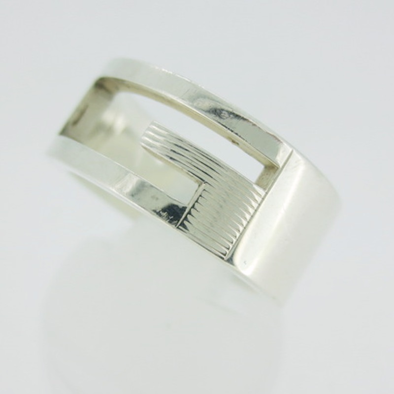 【中古】GUCCI グッチ リング 指輪 シルバーリング 【f135】