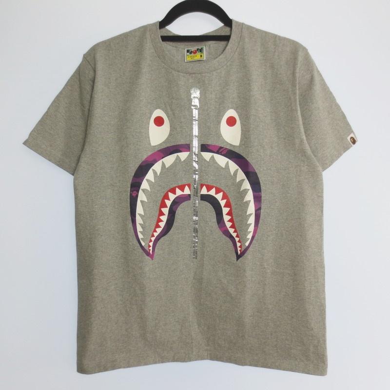 【中古】A BATHING APE アベイシングエイプ SHARK TEE 半袖 Tシャツ サイズ:M カラー:グレー / ストリート【f103】