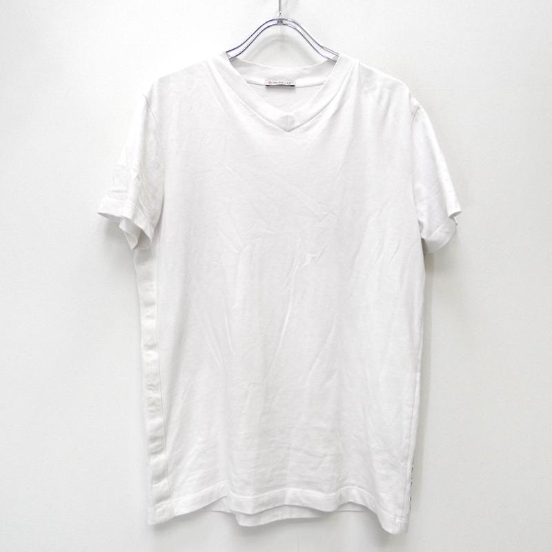 【中古】MONCLER モンクレール F10918C76210 8390T 'MAGLIA SCOLLO A V' 19SS 国内正規品 Tシャツ半袖 サイズ:XS カラー:ホワイト【f108】