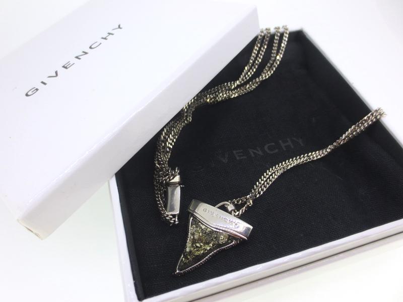【中古】GIVENCHY|ジバンシィ Small Shark Tooth necklace シャークトゥース ネックレス