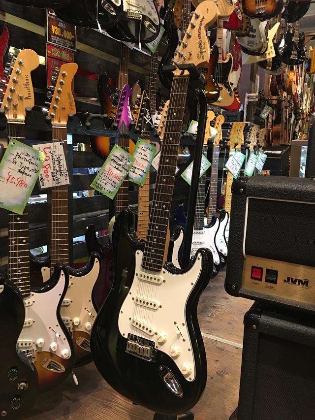 ★送料無料★Squier by Fender【Standard Stratocaster】サンバースト【中古ギター/エレキ/ストラトキャスター/スクワイヤー】岡山店【smtb-u】