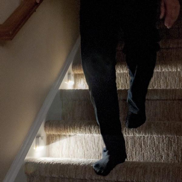 センサーライト LEDライト 2個セット LED 人感センサーライト 屋内 電池式 配線不要 自動点灯消灯 防災 照明 電気 玄関ライト 足元灯 スポットライト 階段照明 間接照明 送料無料 ###センサーライト白3SMD###