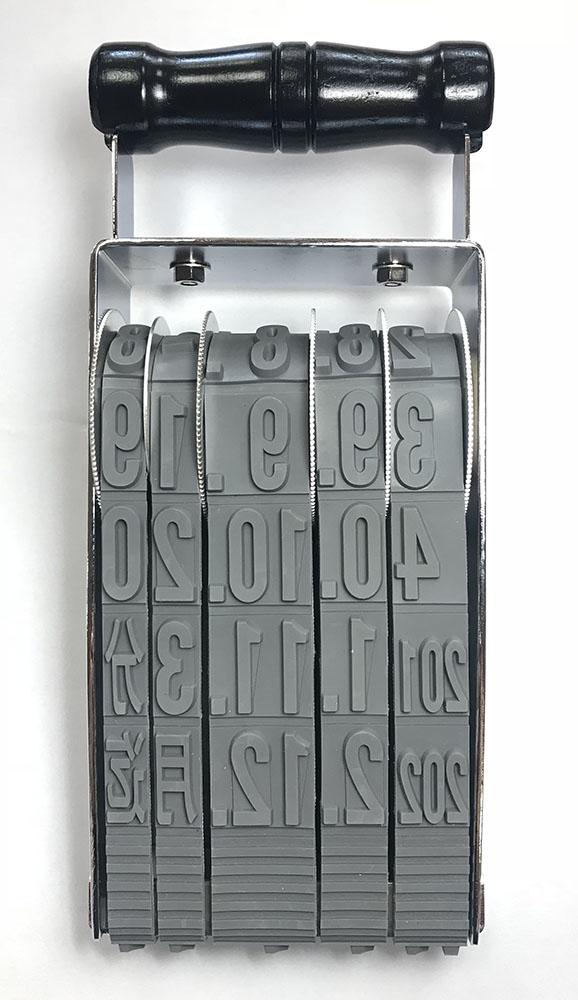 ヘビ印既製回転印 欧文西暦日付印 72P
