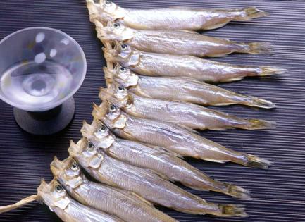 送料無料 北海道産 国産 本ししゃも 無添加 天日干し 2020年 新物 期間数量 限定 販売  シシャモ 柳葉魚 メス3串 (30匹)(箱入れ)北海道 お土産 魚 さかな