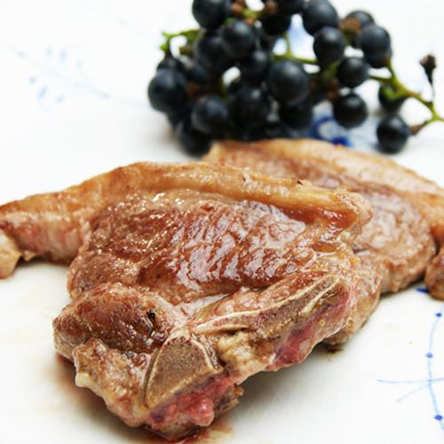 オーストラリア産熟成ラム 輸入 歩留まり100% Halal ハラル 認証済み食材 超特価SALE開催 旨み溢れる 熟成ラムのTボーンステーキ 70-130g2枚入り ひれ肉 ラムのヒレ肉 ラム肉 ロース肉が同時に味わえる