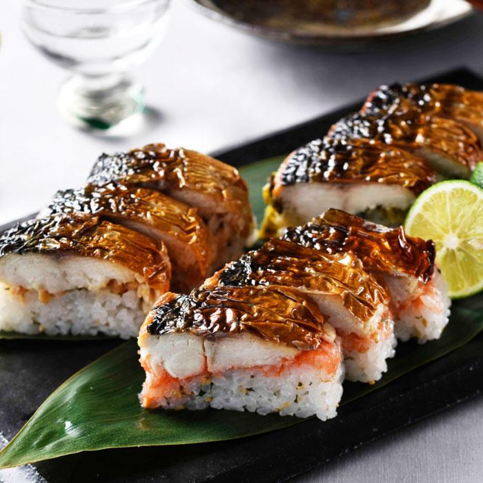博多の料亭の味をご家庭で 待望 博多華味鳥監修 3種の博多焼き鯖棒寿司セット トリゼンフーズ 営業 送料無料 プレゼント