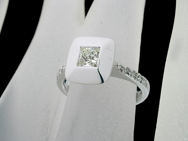 音羽屋■送料無料■ ダイヤモンド/0.332ct 0.06ct K18WG ダイヤリング 9号 仕上済 【中古】