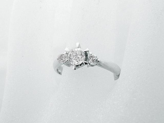 音羽屋■送料無料■ G/SI-2/Good ダイヤモンド/0.336ct サイドダイヤ/0.165ct Pt900 リング 11号 鑑定書付き 仕上済 【中古】