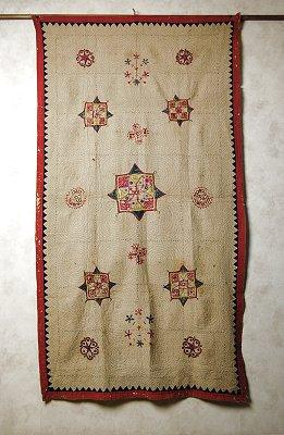 アジアンなインド 手刺繍の古布 【アジアン】【インド綿】【ハンドメイド】【手作り】【クラフト】【プレゼント】【smtb-F】【エスニック】【コットン】