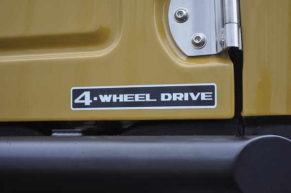 ジムニー 公式サイト 毎日続々入荷 パーツ ジムニー専門店 4-WHEEL SUZUKI復刻版 DRIVE