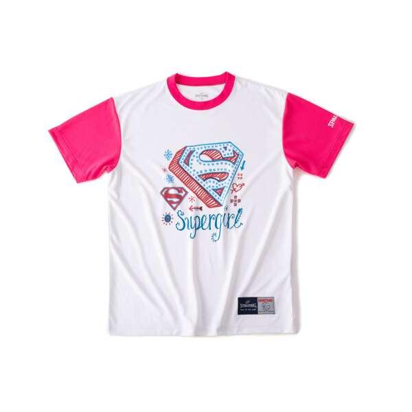 スポルディング 好評 Tシャツ スーパーガール サイズ:S カラー:ホワイト×ピンク #SMT190620 割引クーポン有 結婚祝い アウトドア スポルディング: SPALDING ウェア スポーツ バスケットボール