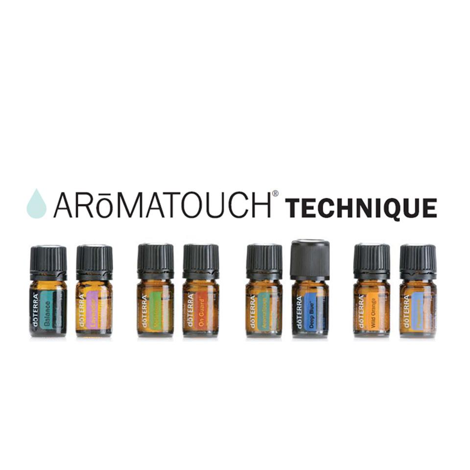 ドテラ doTERRA アロマタッチ テクニック キット ココナッツオイル 付き アロマオイル 8本 x 5ml エッセンシャルオイル 精油 ギフト マッサージ セット outfit 送料無料