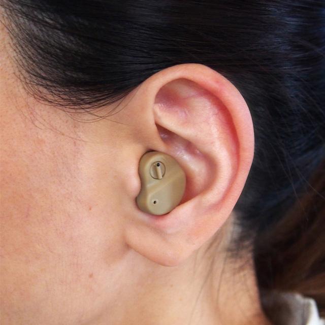 集音器 耳穴式 電池式 小型 集音器 耳穴式 電池式 超小型 メール便 代金引換不可