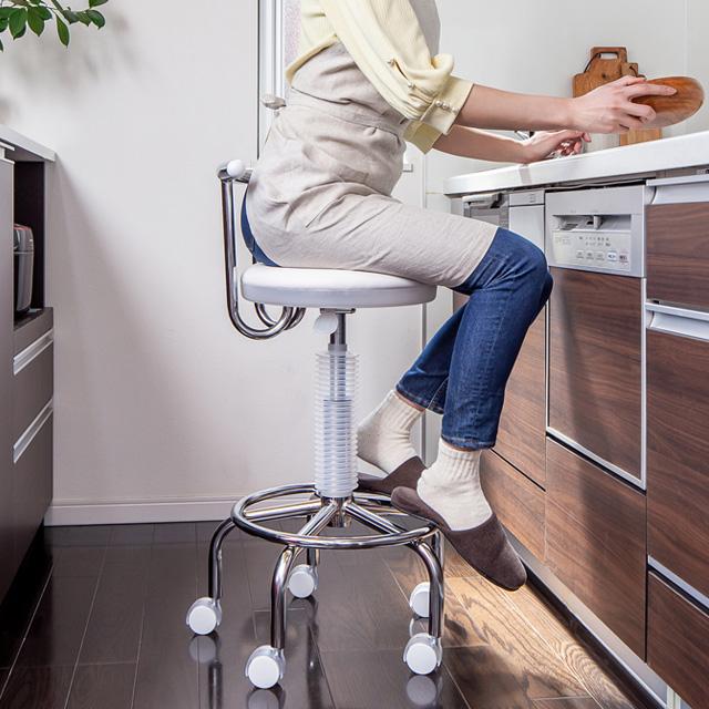 キッチンでの作業がラクに 座面回転キャスター付き昇降チェアー キッチンチェア ガス圧 昇降式 回転チェア 即納送料無料 キャスター付き 椅子 カウンターチェアー 回転 レビューを書けば送料当店負担 高さ調節 キッチンチェアー 台所