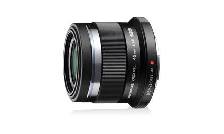 【新品/取寄品/代引不可】ミラーレス一眼用交換レンズ 90mm相当(35mm判換算) M.ZUIKO DIGITAL 45mm F1.8 ブラック 45MM F1.8 BLK