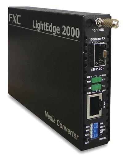 【新品/取寄品/代引不可】10BASE-T/100BASE-TX to 100BASE-FX (SFP スロット)メディアコンバータ + 同製品SB5バンドル LE2841-1F-ASB5