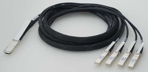 【新品/取寄品/代引不可】AT-QSFP-4SFP10G-3CU-Z1 [QSFP-4SFP ブレークアウトダイレクトアタッチケーブル 3m(デリバリースタンダード保守1年付き)] 1039RZ1