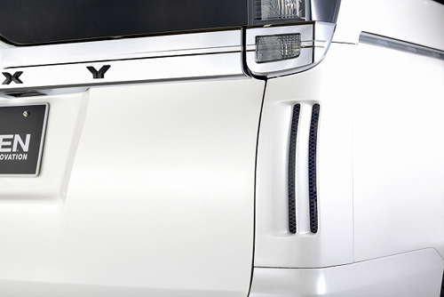 ROWEN PREMIUM Edition リアコーナーパネル(FRP) 塗装済み トヨタ ヴォクシー ZS ZRR80W用 (1T013D00#)【エアロ】ロェン プレミアムエディション【通常ポイント10倍!】