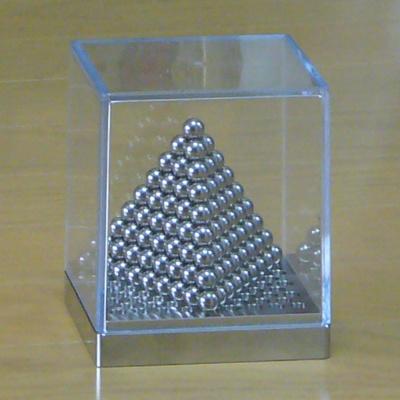 出群 ☆遊んで 学んで 飾れる金属の置物 人気海外一番 格子B 科学教材的な金属の置物