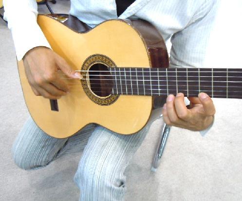 スペイン製クラシックギターとハードケースセット/マヌエル・フェルナンデス スペイン直輸入