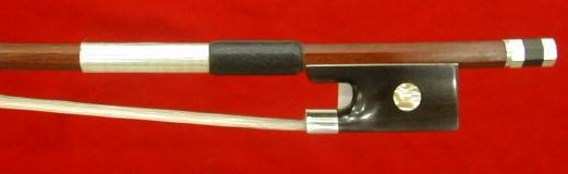 ワンランク上のバイオリン弓 4/4サイズ 弓の材料では最高とされるフェルナンブコを使用