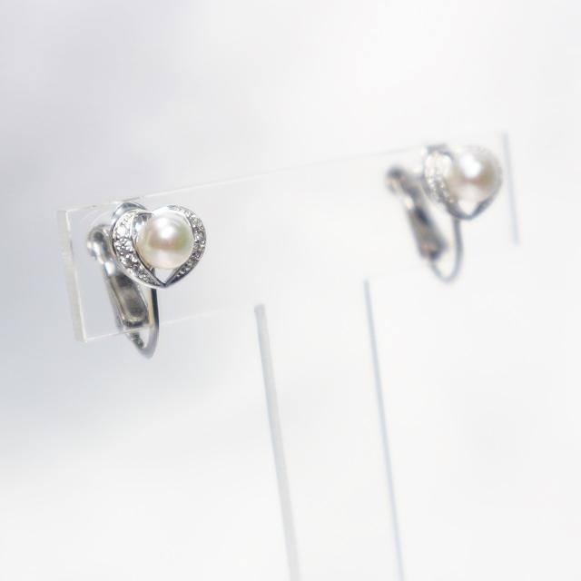 伊勢志摩産本真珠使用 アコヤパールイヤリング(4.5mm珠)【真珠】【本真珠】【あこや真珠】【アコヤパール】【パール】【イヤリング】【アクセサリー】【パーティー】【カジュアル】【デイリーファッション】【シンプル】【かわいい】【スーツ】
