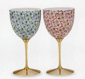【九谷焼】花紋 ペアワインカップ繊細な造りと伝統の絵付け化粧箱入