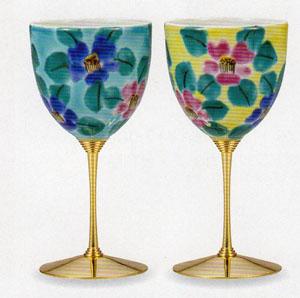 【九谷焼】色絵花文 ペアワインカップ繊細な造りと伝統の絵付け化粧箱入
