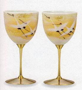 【九谷焼】金箔群鶴 ペアワインカップ繊細な造りと伝統の絵付け化粧箱入