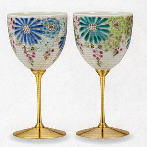 【九谷焼】華 ペアワインカップ繊細な造りと伝統の絵付け化粧箱入