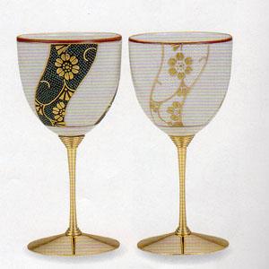 【九谷焼】本金捻鉄仙文ペアワインカップ繊細な造りと洒落た絵付け化粧箱入