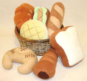 「フカフカのできたてパン」のぬいぐるみおもちゃ ワンワンベーカリー <犬のおもちゃ>【あす楽対応】