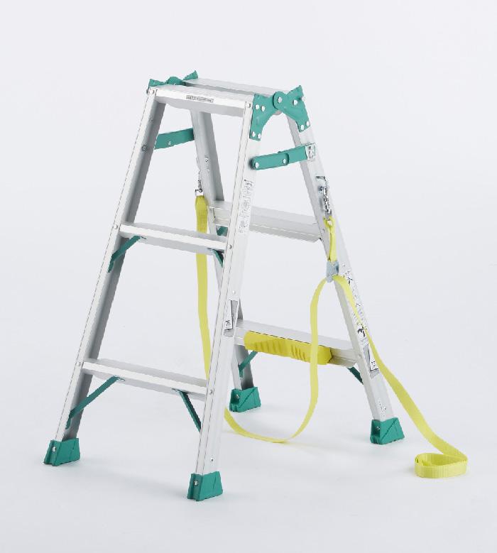 【毎月1日・15日・25日はP-starの日】  はしご時に電柱昇降に適した、ポールグリップと巻付けベルト付きの昇柱用 はしご兼用脚立 JOB-BGA90E ( 3段 3尺 脚立 はしご 梯子 自在脚 折りたたみ 昇降 昇柱 電柱 軽量 電工用 電気工事 )