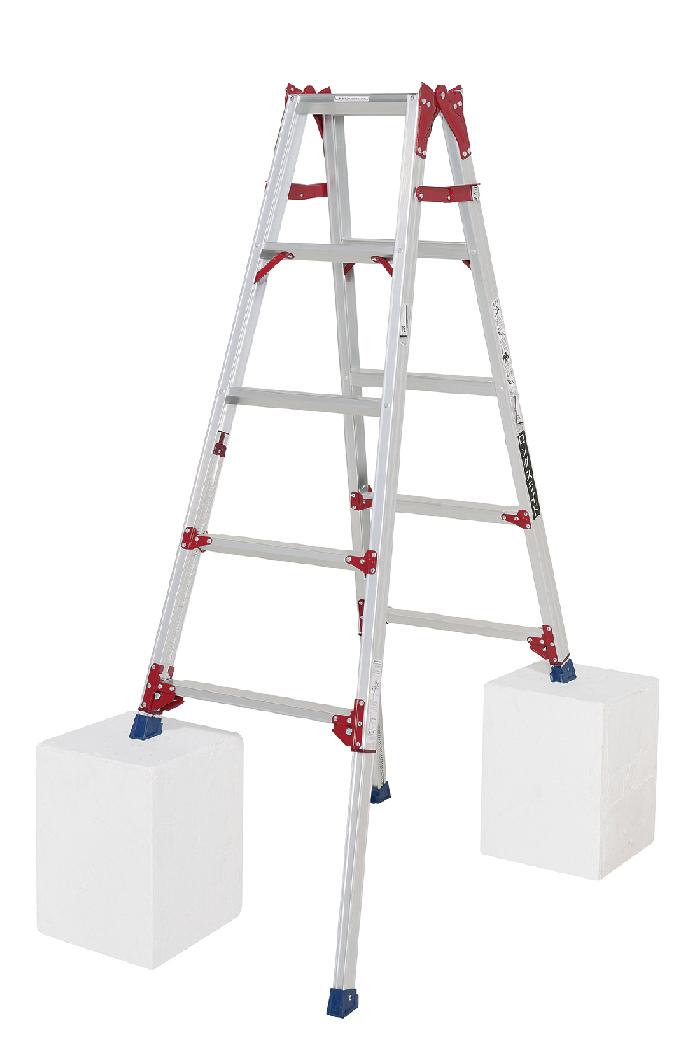 ワンタッチで操作できるシングルロック最大段差約42cmまで対応できるロングスライドタイプ 四脚アジャスト式はしご兼用脚立 SCP-150L 5段 ( 5尺 脚立 折りたたみ 軽量 送料無料 梯子 伸縮 )