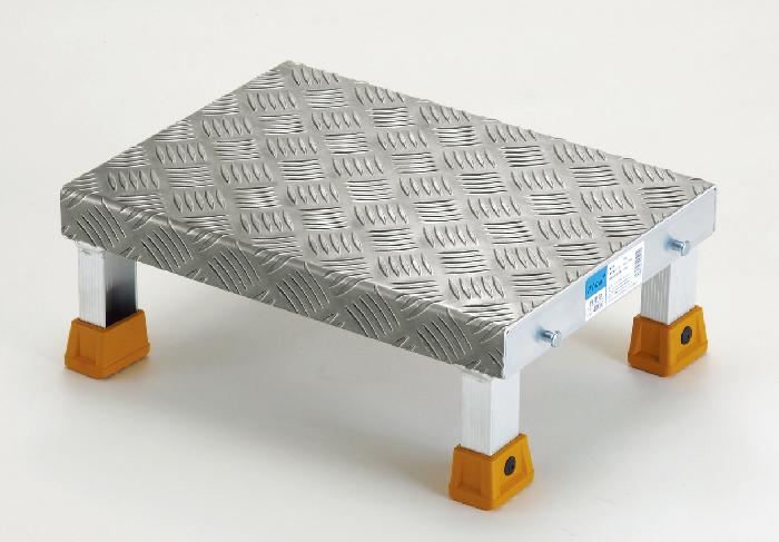 配管・配線の多い工場内で活躍 連結することで作業スペースを確保する低床型作業台シリーズ UG-4030 ( 作業台 コンパクト 安定 連結 低床 配管 配線 工場 軽量 送料無料 )