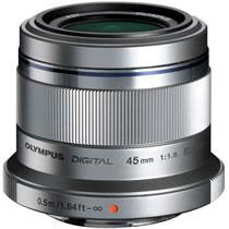 【お取寄せ品】 オリンパス ミラーレス一眼用交換レンズ M.ZUIKODIGITAL 45mm (35mm判換算90mm相当) F1.8 シルバー 1本 【送料無料】