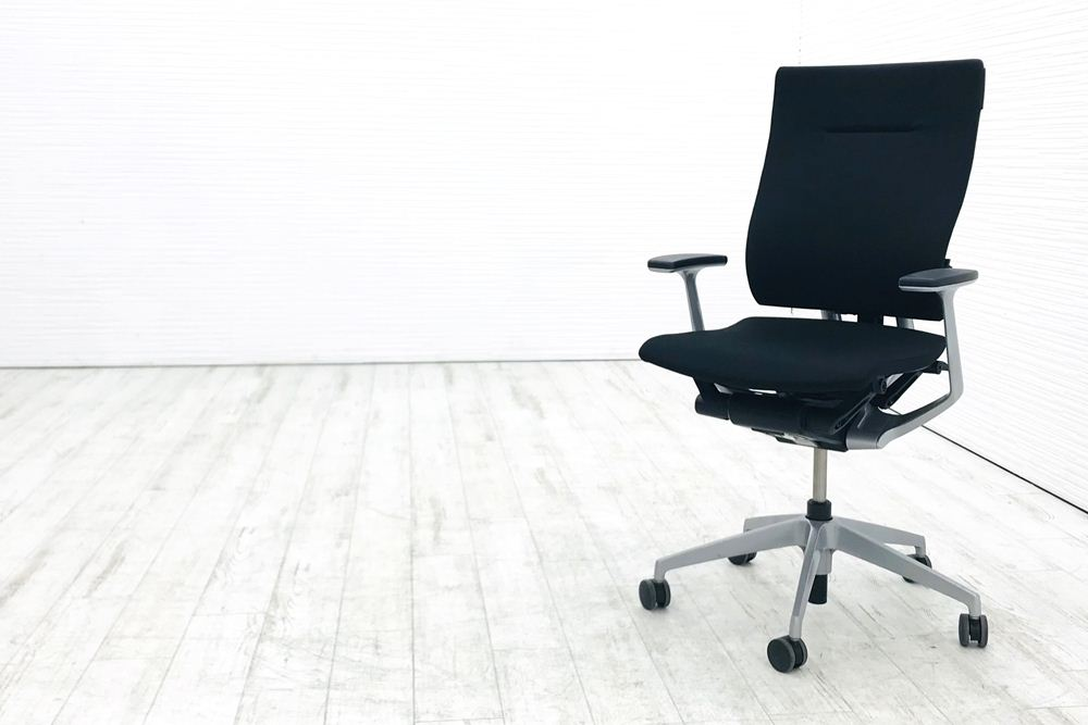 在宅ワークチェア イトーキ スーパーセール期間限定 高機能チェア スピーナチェア 事務椅子 パソコンチェア OAチェア デスクチェア オフィスチェア 輸入 ハイバック 中古 クッション 椅子 固定肘 KE-715GV-Z5T1 格安 中古オフィス家具 ブラック 2019年製 スピーナ リクライニング