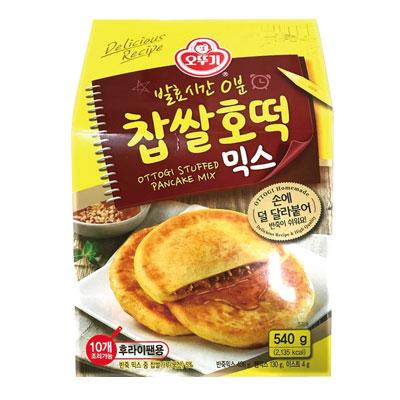 \カリッ、もちもち食感、中の黒砂糖とシナモンのあんがとろーり/  スーパーSALE15%OFF『オットギ』餅米ホットクミックス(540g・約10枚分) ホットック ホットッ おやつ 韓流 屋台 韓国お菓子 韓国食品マラソン ポイントアップ祭