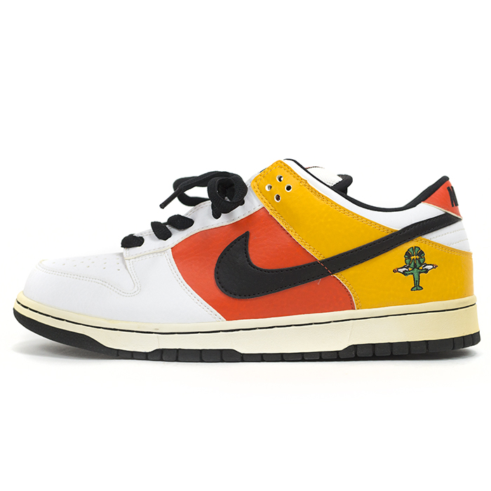 newest 2e129 61b2d NIKE DUNK LOW PRO SB and Nike Dunk low Pro ROSWELL RAYGUNS and Roswell gold  rail 304292-802
