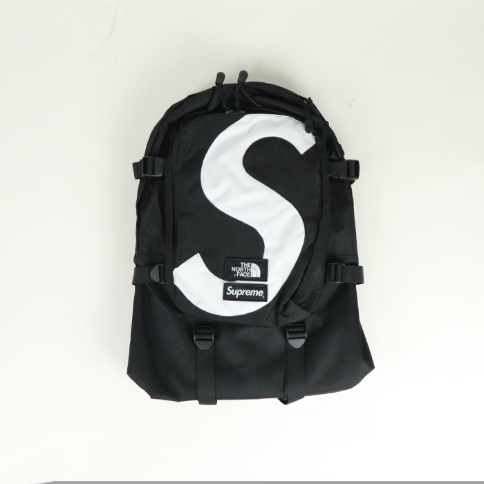 x THE Black Supreme タグ付き ノースフェイスS エクスピディション ザ / Logo / シュプリーム Backpack リュック NORTH Expedition FACE / 黒2020FW ブラック 新古品【中古】 国内正規品 バックパック Sロゴ