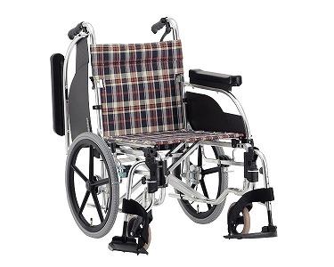 アルミ介助式車椅子 多機能タイプ AR-601(AR-600の後継です)松永製作所車椅子 介護 車いす 車イス 高齢者 歩行補助 介護用品 背折りたたみ 肘掛跳ね上げ